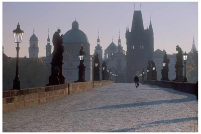 DP07_View across Karlov Most (Charles Bridge) in the early morning